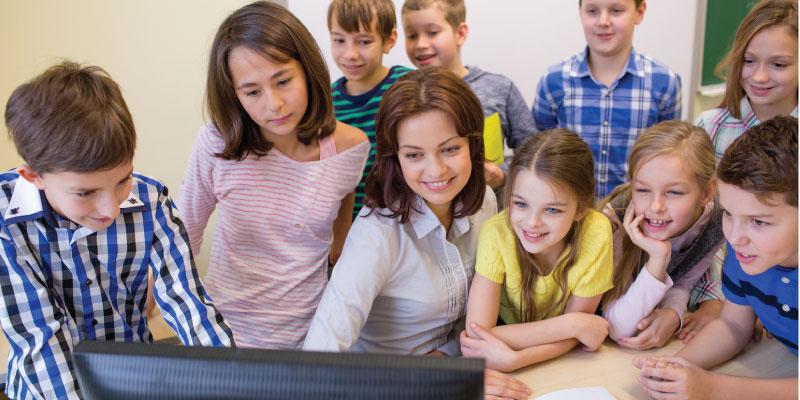 """Internet trở thành vật """"bất ly thân"""" trong giáo dục và đào tạo"""