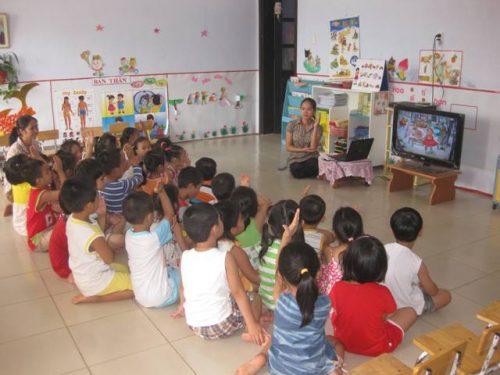 Ứng dụng CNTT trong dạy học Mầm non có thuận lợi và khó khăn gì?