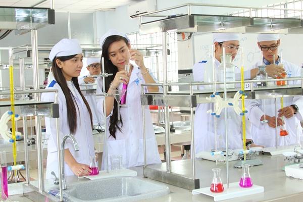 Tìm hiểu phương thức tuyển sinh cao đẳng Dược 2021
